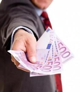prestito-di-denaro-tra-particolare-20121017122445